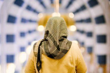 Мусулмон фитналардан сақланиши лозим