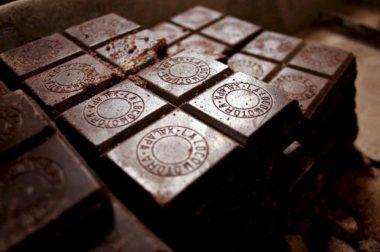 Озмоқчи бўлсангиз, рационингизга қора шоколадни киритишнинг 3 сабаби