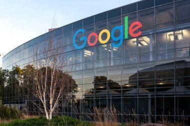 Google ўз ходимларининг мажбурий офисда ишлаши борасидаги талабини 2022 йил январга қадар кечиктирди